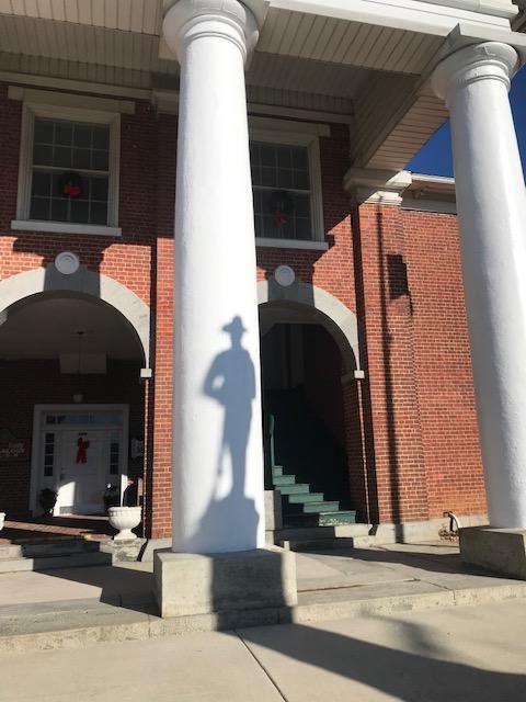 Confederate shadow